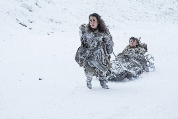 Meera Reed und Bran Stark in Game of Thrones
